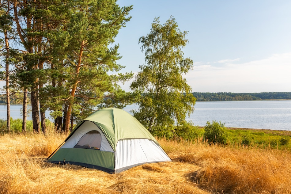 What to Bring When Camping in a Tent
